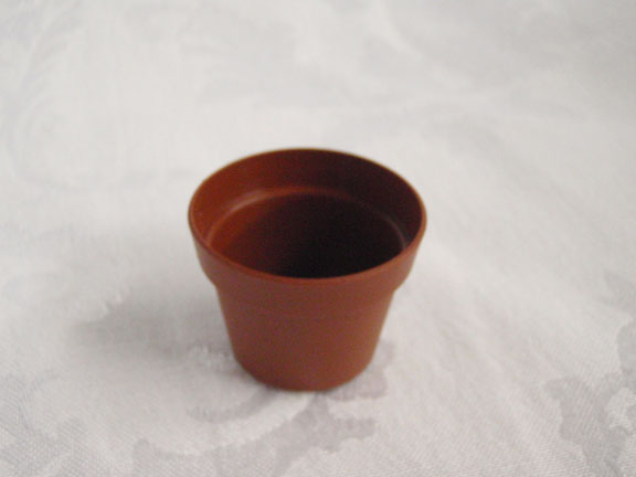 "1.5"" Plastic Terracotta Pot"