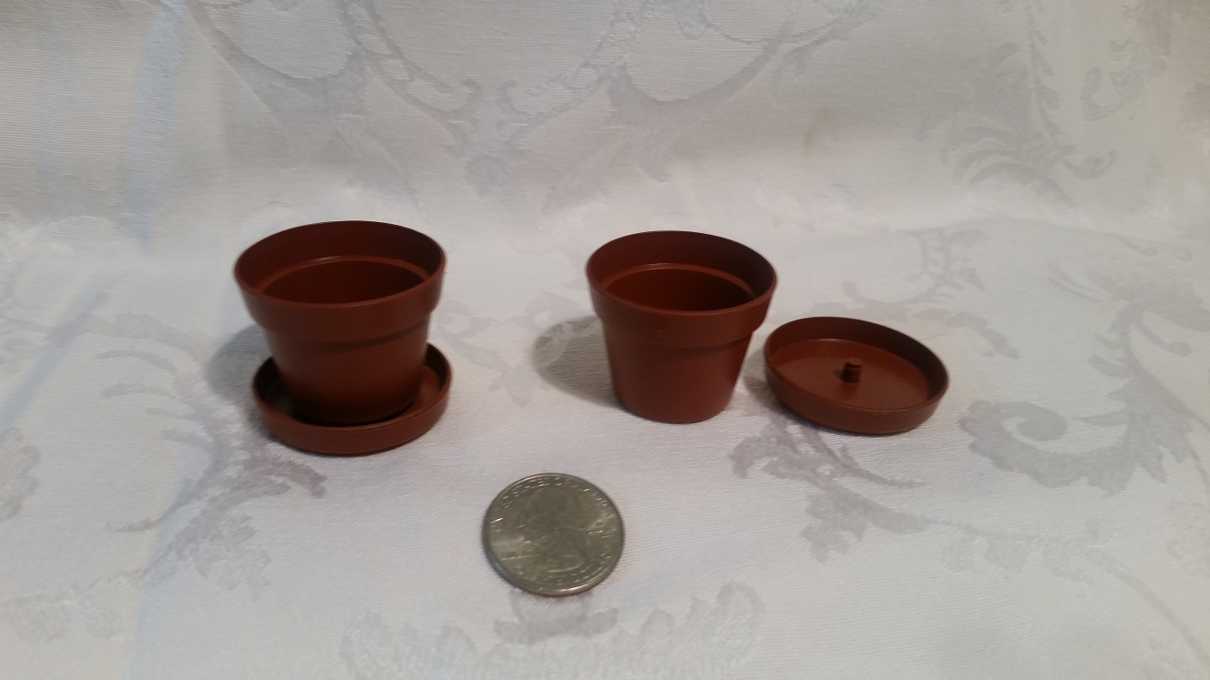 "1.5"" Plastic Terracotta Pot with removable saucer"